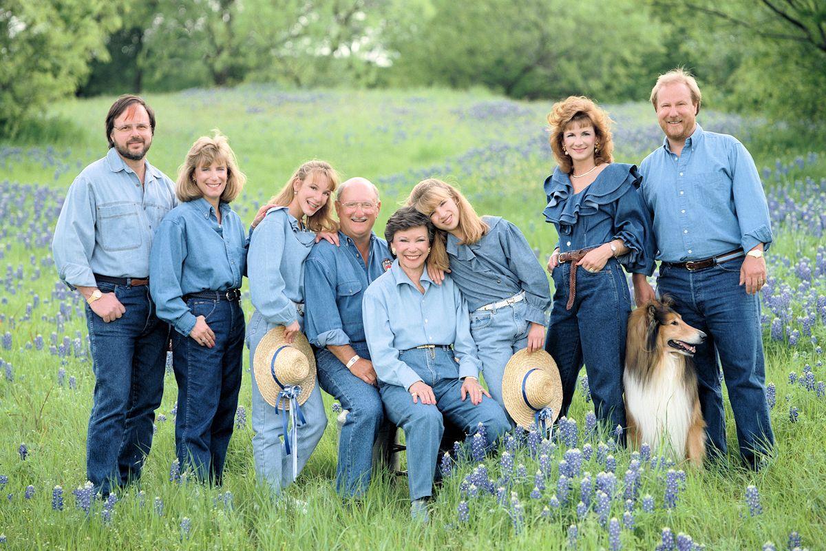 Blue Bonnet Portrait Photographer - Gail Nogle Photography